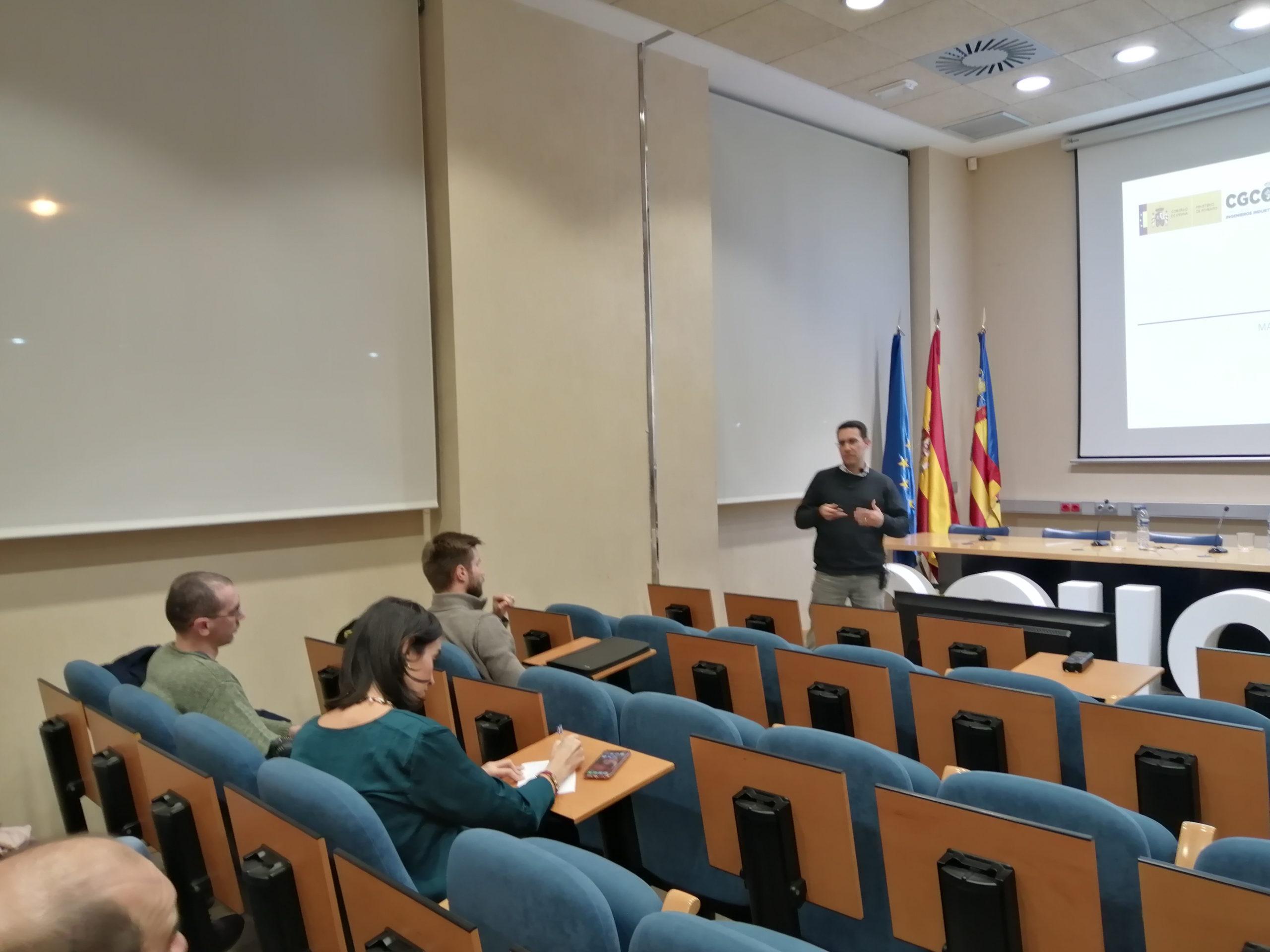 Adolfo Gerodetti y Alexis Lárez desarrollan las posibilidades del BIM en mantenimiento y operaciones en el COIICV